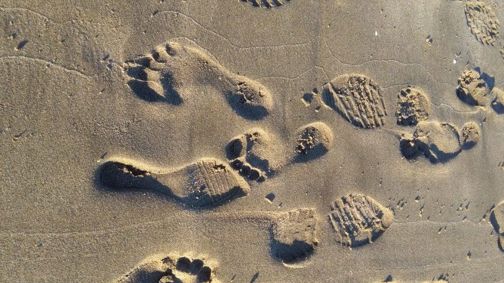 pieds sur le chemin